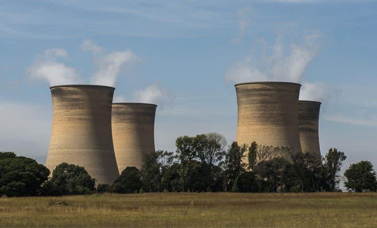 Huelga en Francia se extiende a plantas nucleares