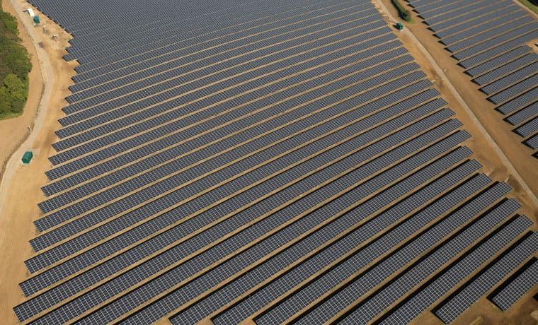 Enel abre planta solar de 160 megavatios en Chile