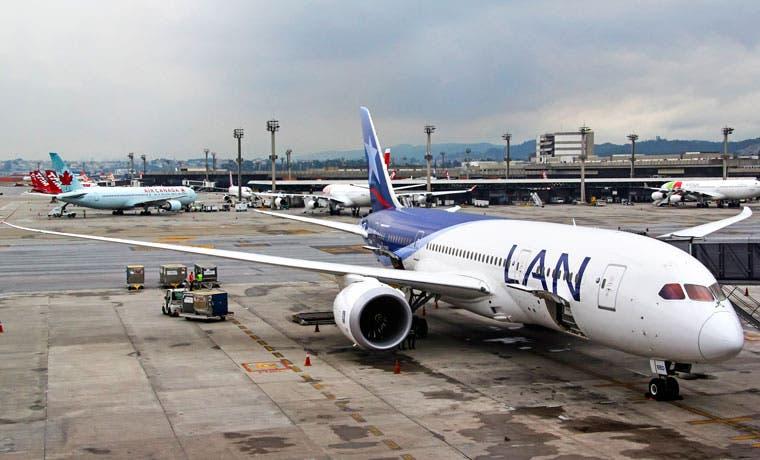 Latam anuncia suspensión de viajes a Venezuela