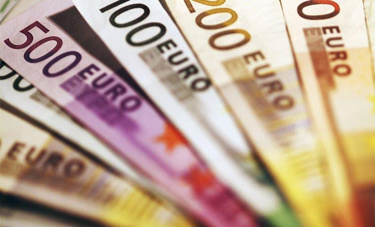 Economía francesa crece más de lo estimado, inversión se dispara