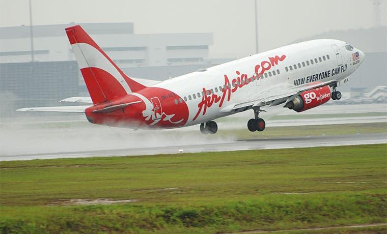 AirAsia recibe oferta de $1.000 millones por brazo de alquiler