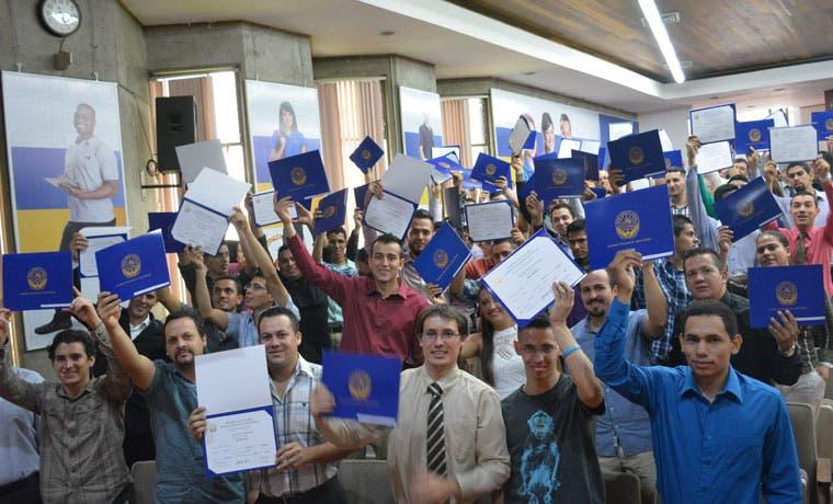 INA gradúa 100 nuevos técnicos