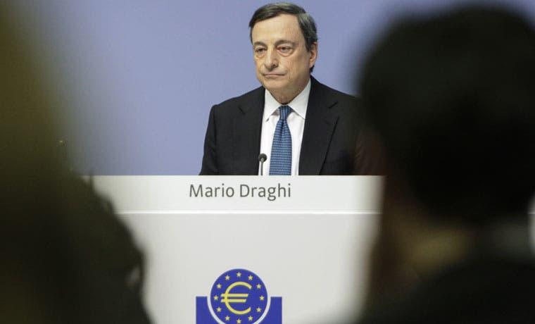 Inflación de eurozona se mantiene negativa y BCE evalúa panorama
