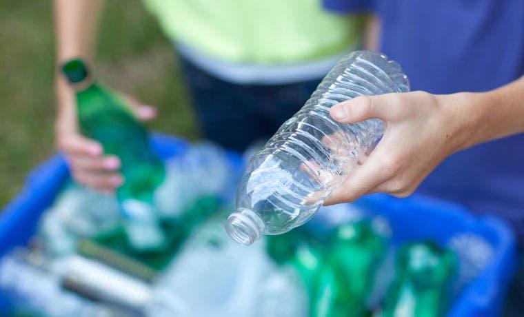 Escolares asumen reto de reciclaje electrónico