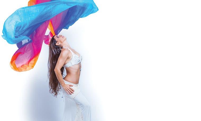 Belly Dance se mezcla con el teatro y la música