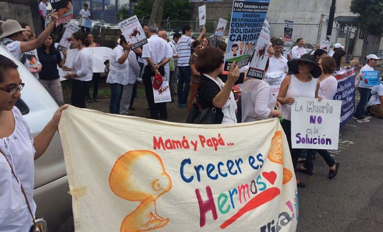 """Grupos """"pro vida"""" exigen al Gobierno no ampliar el aborto impune"""