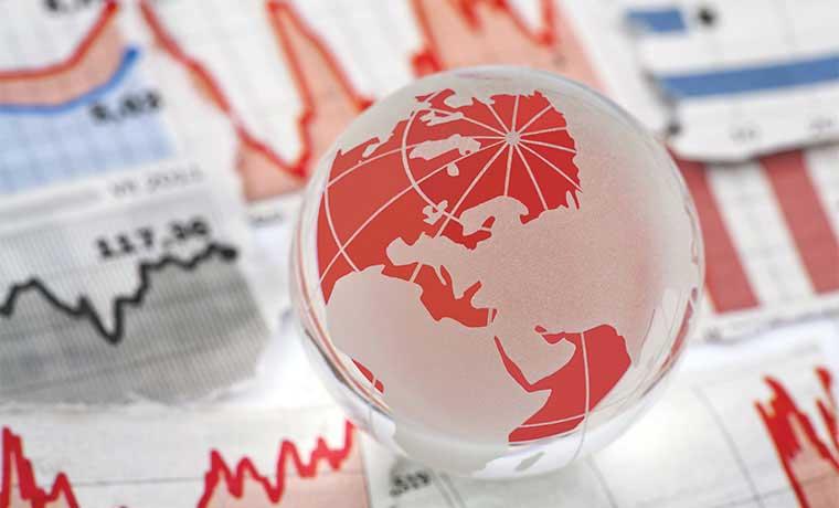 OCDE critica a gobiernos por caer en trampa de bajo crecimiento