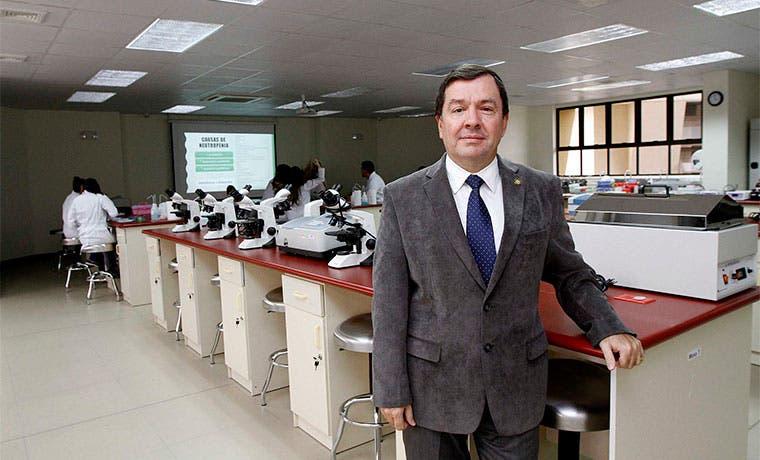 Caja incumple mandato para que universidades privadas formen especialistas