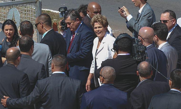 Torpezas de Temer generan esperanza de un retorno de Rousseff