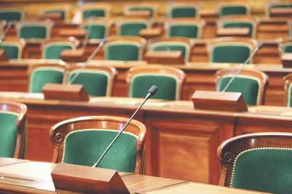 Gobierno tico tiene la fracción legislativa más débil de Centroamérica