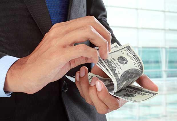 Tendencia hace atractivos créditos en colones