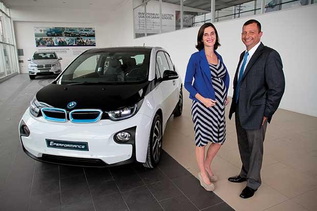 BMW se enchufa a la movilidad eléctrica y el ahorro