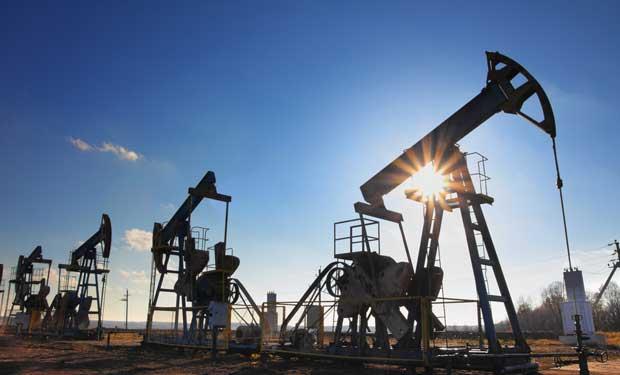 Arabia Saudita aprueba plan para reforzar economía no petrolera