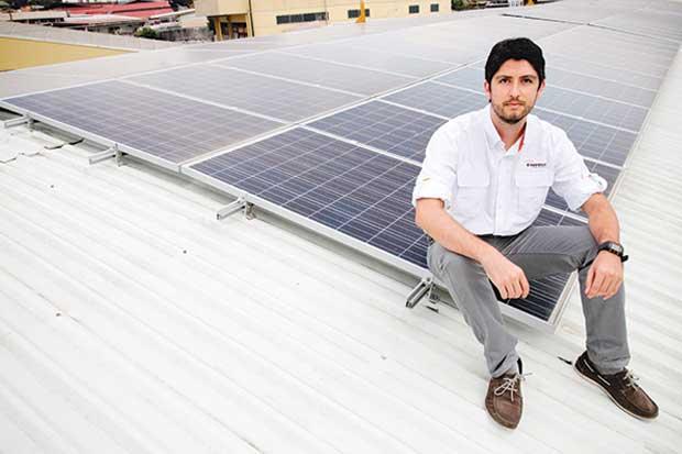 Hogares pierden miedo a paneles solares
