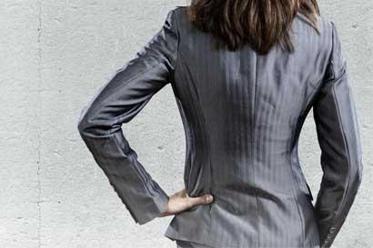 Dos mujeres completan junta directiva del Banco Central