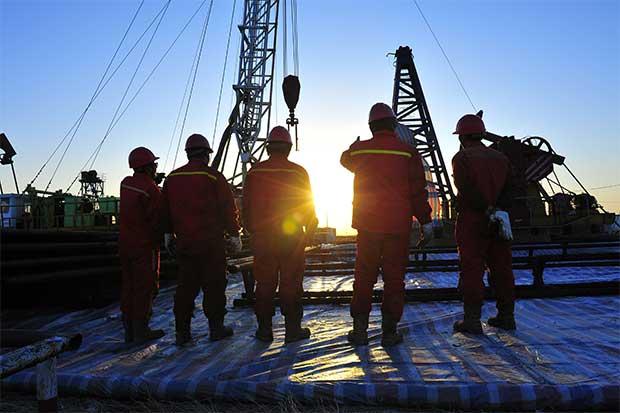 Ante alza del petróleo, las exploradoras se lo toman con calma