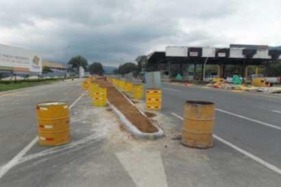 Nueva isla sobre autopista Florencio del Castillo aumentaría riesgo de accidentes