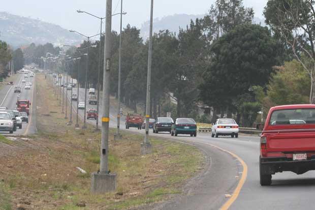 Gobierno se compromete a reducir presas en vía a Cartago