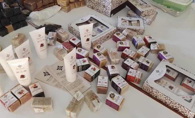 Empresa familiar de Monteverde vende productos cosméticos en China