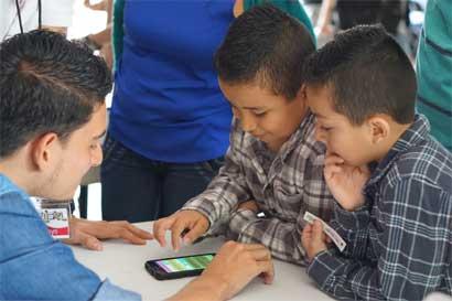 """Estudiantes del TEC crean """"apps"""" para desamparadeños"""