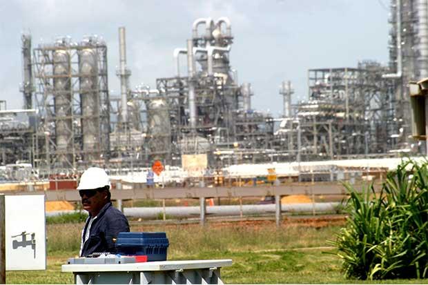 Venezuela: petróleo a $50 basta para evitar impago