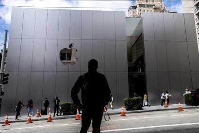 Apple podría abrir tiendas en India tras reducción de requisitos