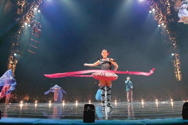 Circo del Sol capacita a artistas ticos