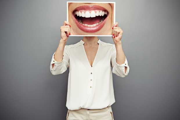 Compra de blanqueadores dentales en internet podría perjudicar la salud