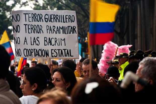 Colombia y las FARC anuncian acuerdo para cese al fuego definitivo