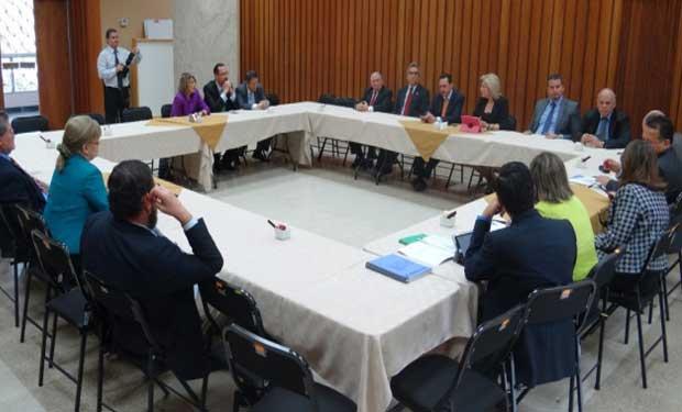 Zarella Villanueva revisa estado del proyecto sobre pensiones del poder Judicial