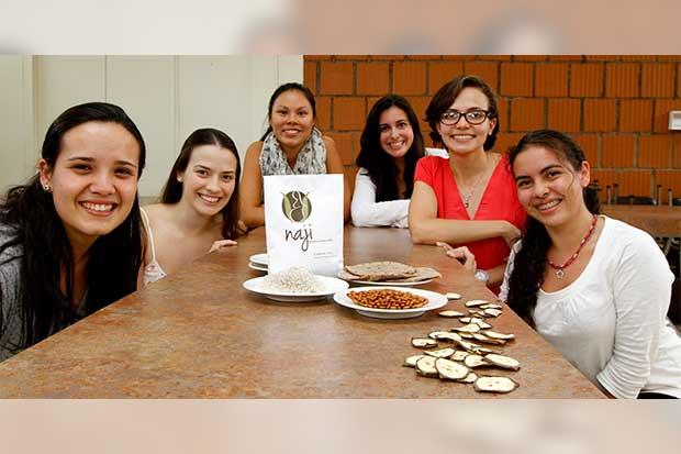 Estudiantes crean alimento para luchar contra la desnutrición