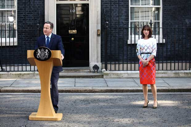 David Cameron renunció tras salida del Reino Unido de UE