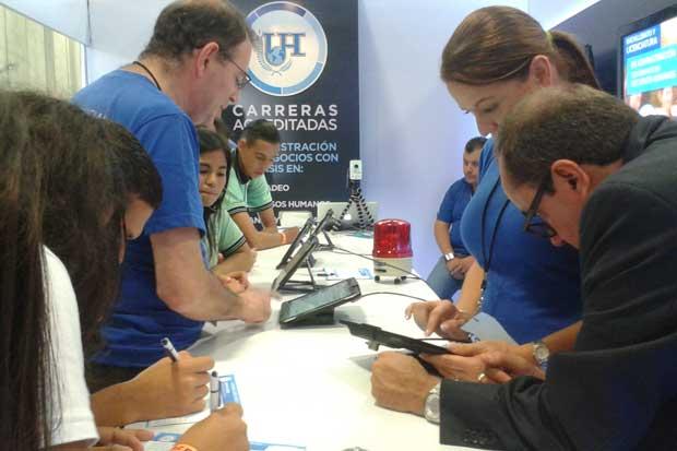 Universidad Hispanoamericana exhibe tecnología educativa
