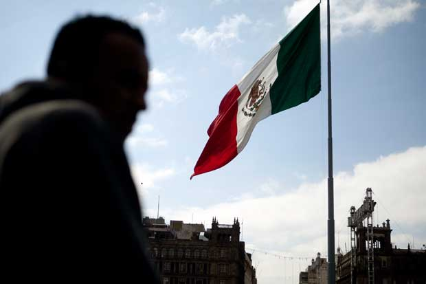 México reduce gasto público tras caída de activos por Brexit