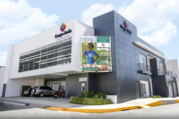 Edificio Coopeande Heredia recibió certificación LEED
