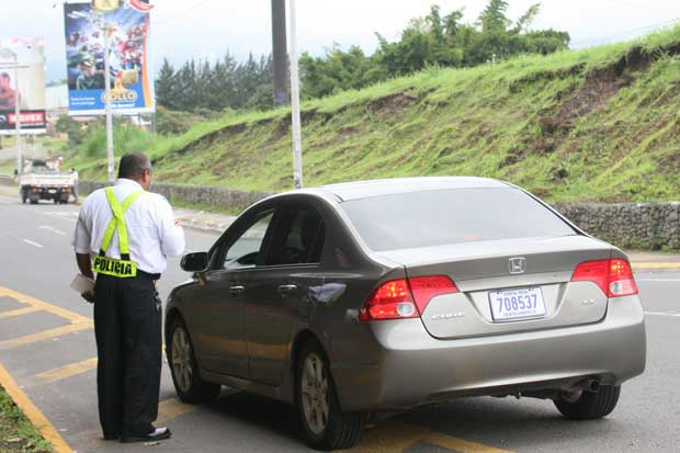 Restricción vehicular no regirá en vacaciones de medio año