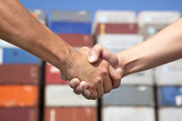 Fijan reglas de tránsito y transbordo de mercancías entre Costa Rica y Chile