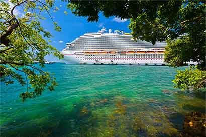 Crucero de Pullmantur se alista para volver a Limón