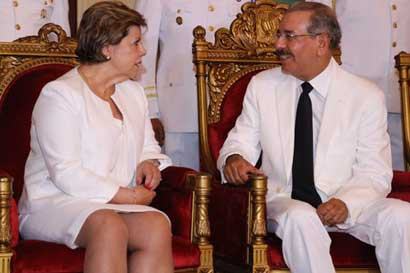 Renuncia embajadora de República Dominicana