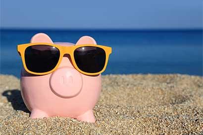 Dele un descanso a su dinero durante las vacaciones