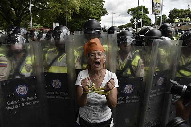 Debilitamiento de la revolución complica a Maduro en Venezuela