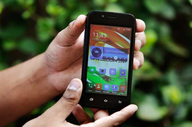 Demasiado bueno para ser cierto: un smartphone de $4 en la India