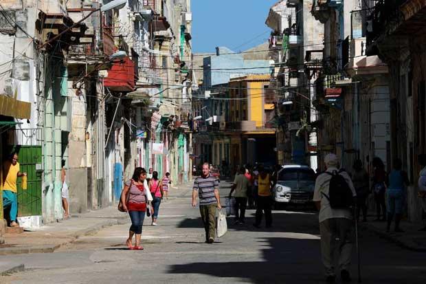Estados Unidos propone ocho aerolíneas para volar a Cuba