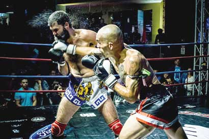 Mínimo diez peleas en velada de Muay Thai