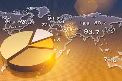 Economía mundial se mantiene a flote pero está a la deriva