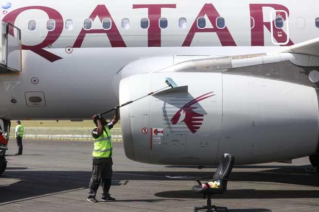 Qatar Airways cuadriplicó ganancias tras caída en precios de combustible