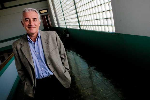 Carabaguíaz dice adiós a partido de Calderón y se pasa al PUSC