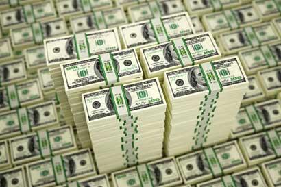 Fuerte venta de dólares del Central provoca ligera apreciación