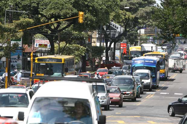 Autobuseros amenazan con paro