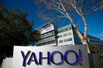 Yahoo recortaría personal ante venta de activos de internet